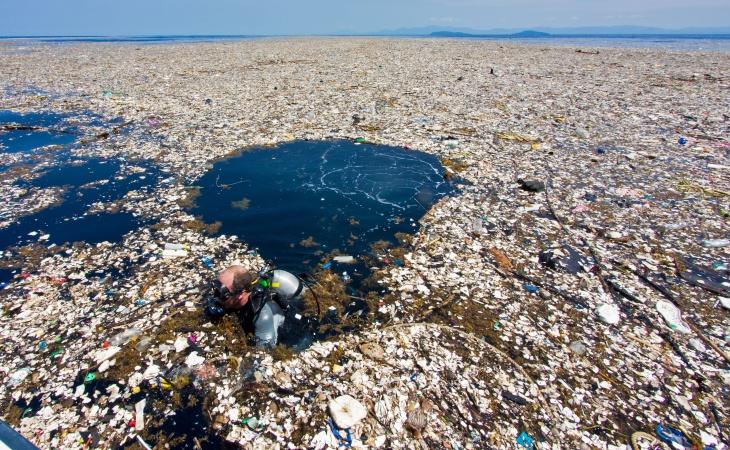 GRAN isla de basura del Pacífico que ya tiene tres veces el tamaño de Francia.