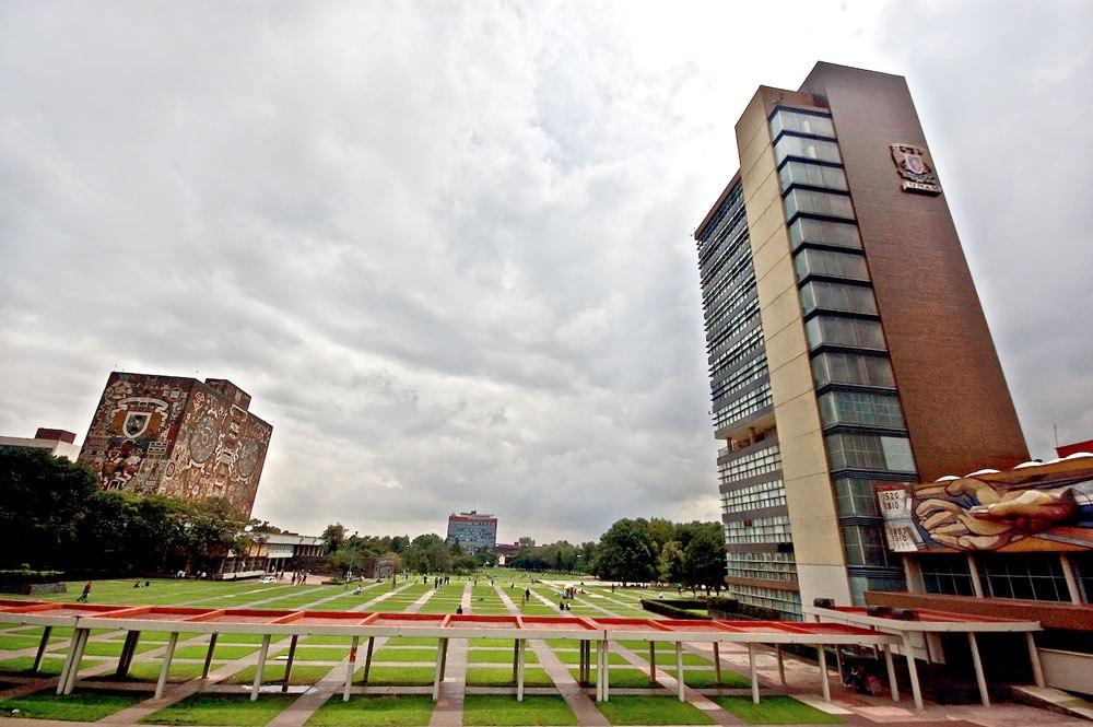 UNAM ES LA MEJOR UNIVERSIDAD DE LATINOAMERICA 2018. LA UNIVERSIDAD NACIONAL AUTONOMA DE MEXICO es considerada la mejor universidad de latino america lidereando la mayor parte de las areas de conocimiento ,UNA UNIVERSIDAD QUE ES GRATUITA PARA LOS MEXICANOS .