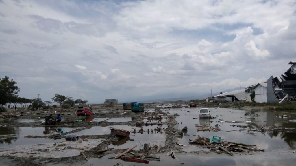 Tsunami en Indonesia Al menos 20 muertos y decenas de heridos dejó un tsunami que golpeó las costas de Indonesia, informaron autoridades del país del sureste asiático.