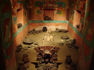 Los ritos funerarios y la muerte del Tlatoani en el México antiguo.
