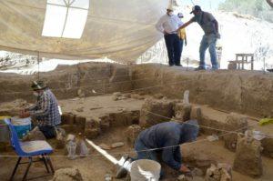 INAH encuentra el más grande grupo de restos de Mamuts del país en Tultepec.